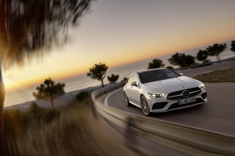 Foto Delantera Mercedes Cla-shooting-brake Familiar 2019