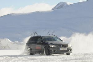 Foto E4m2011_4 Mercedes Cursos-conduccion-invierno-2010-2011