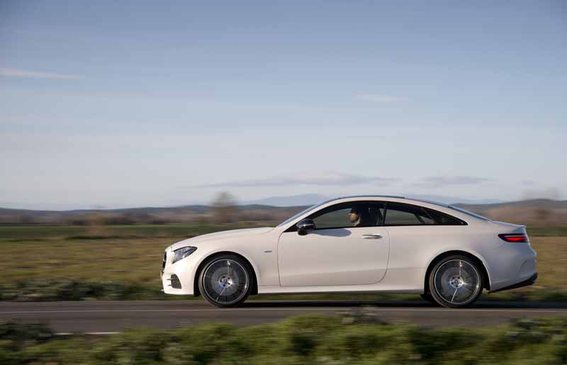 Mercedes Clase E Coupé 2017, foto lateral