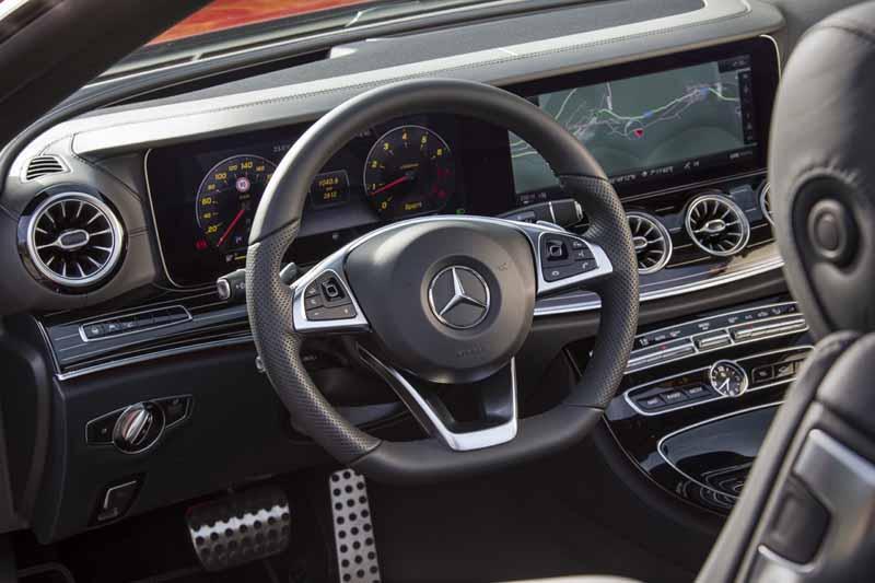Foto Salpicadero Mercedes E-class Descapotable 2017
