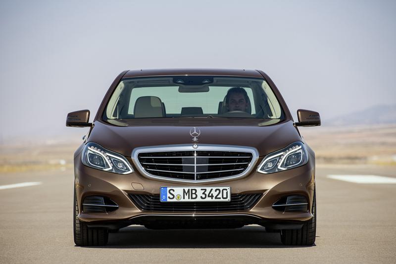 Foto Delantera Mercedes E Class Sedan 2012