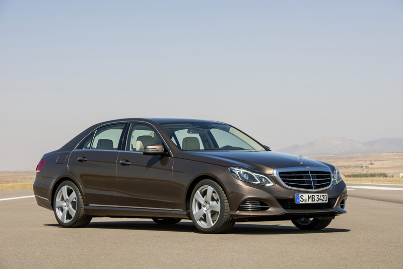 Foto Perfil Mercedes E Class Sedan 2012