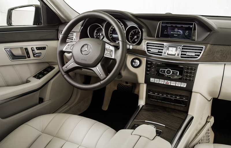 Foto Salpicadero Mercedes E Class Sedan 2012