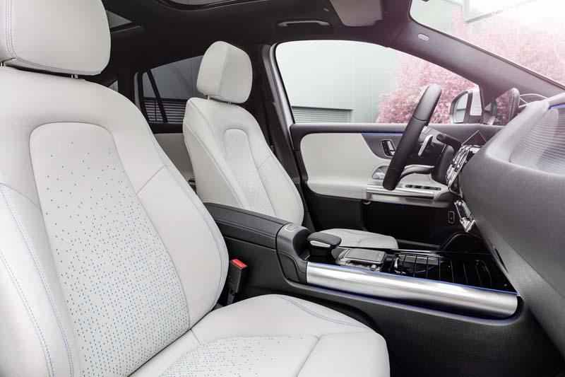 Mercedes-Benz EQA, foto asientos delanteros