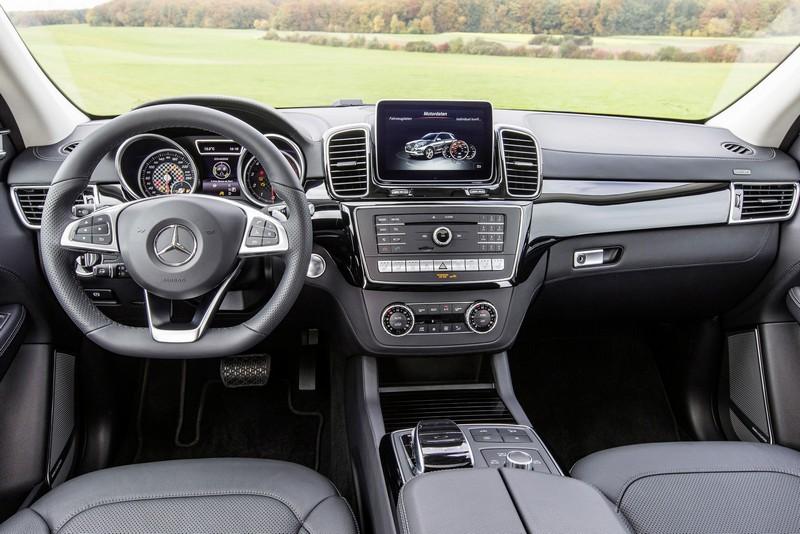 Foto Salpicadero Mercedes Gle 450 Amg 4matic Suv Todocamino 2016