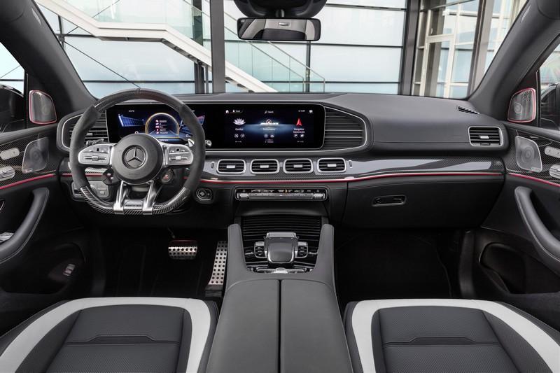 Foto Salpicadero Mercedes Gle 63 S Coupe Suv Todocamino 2020