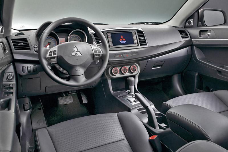 Foto Salpicadero Mitsubishi Lancer Sedan 1999