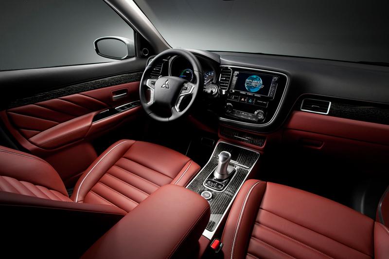 Mitsubishi Outlander PHEV Concept S en el Salón de París 2014