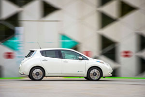 Foto Exteriores (15) Nissan Leaf-30 Kwh Dos Volumenes 2016