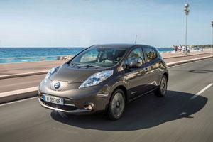 Foto Exteriores (2) Nissan Leaf-30 Kwh Dos Volumenes 2016