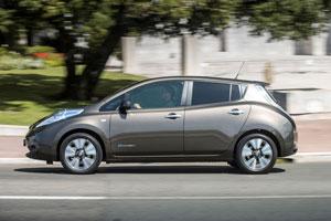 Foto Exteriores (3) Nissan Leaf-30 Kwh Dos Volumenes 2016