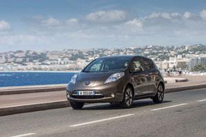 Foto Exteriores (4) Nissan Leaf-30 Kwh Dos Volumenes 2016