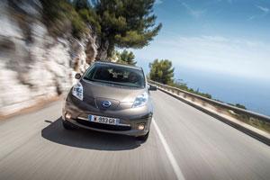 Foto Exteriores (5) Nissan Leaf-30 Kwh Dos Volumenes 2016