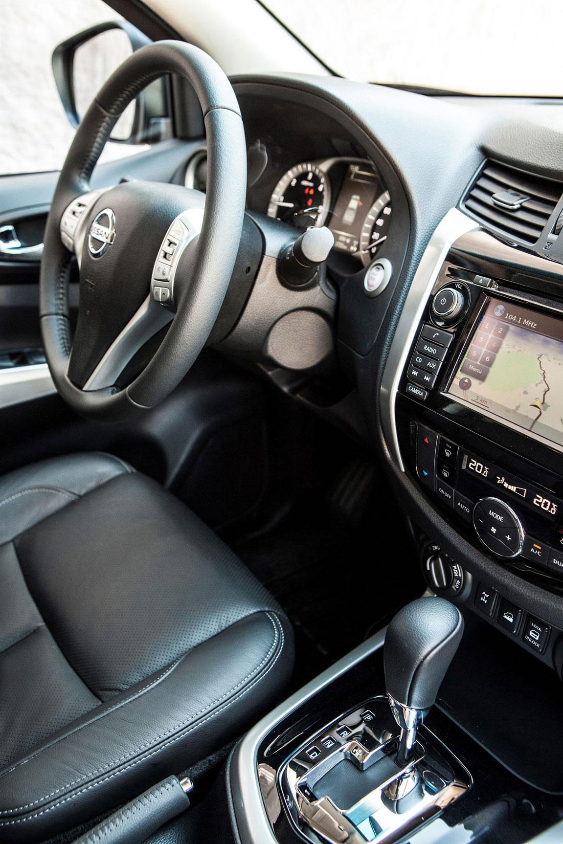 Foto Interiores Nissan Navara Np300 Suv Todocamino 2015