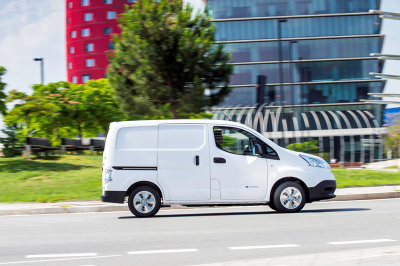 Foto Lateral Nissan E-nv200 Vehiculo Comercial 2014
