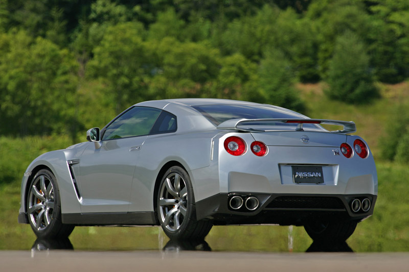 Foto Trasero Nissan Gt R Cupe 2008