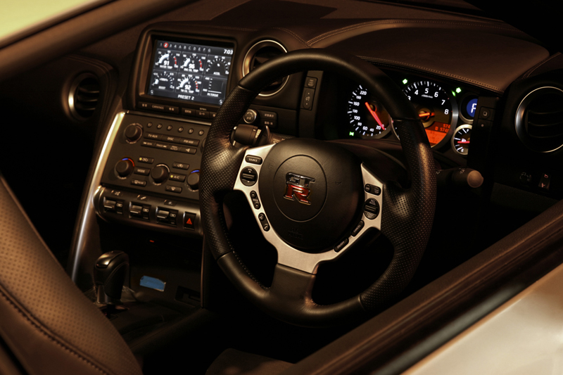 Foto Interiores Nissan Gt R Cupe 2009