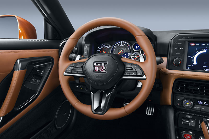 Foto Interiores Nissan Gt R Cupe 2016