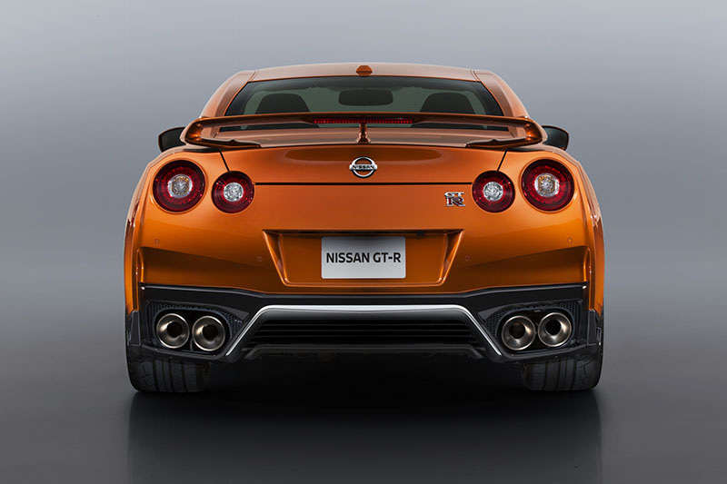Foto Trasera Nissan Gt R Cupe 2016