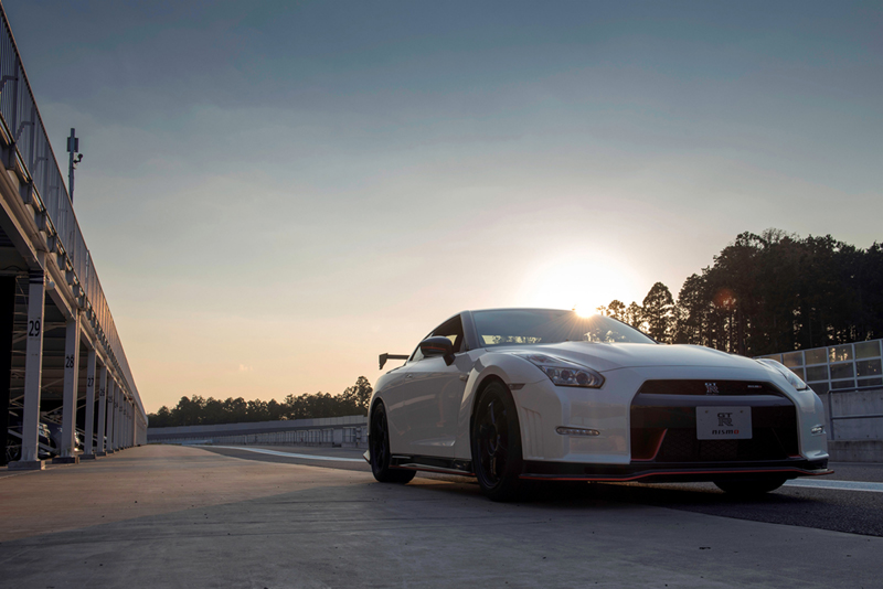 Foto Exteriores Nissan Gt R Nismo Cupe 2014