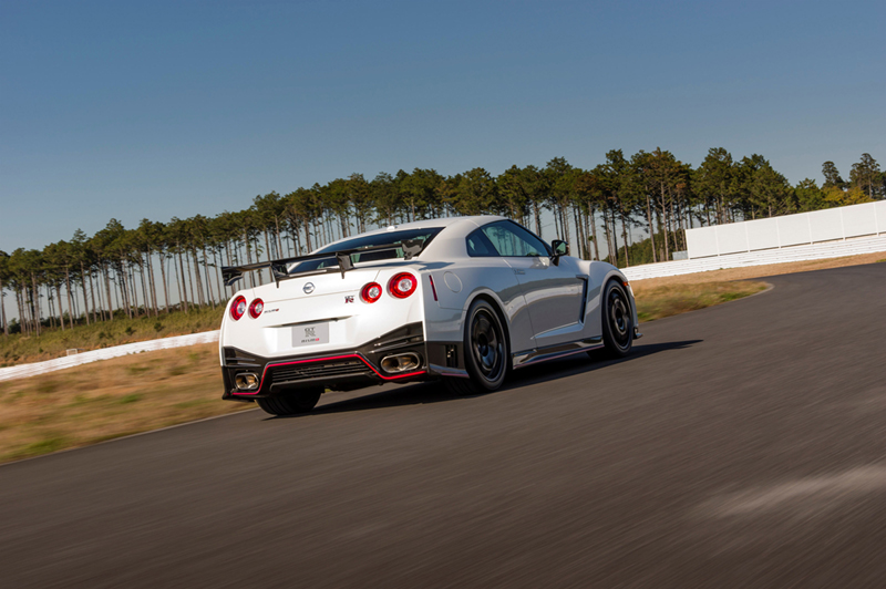 Foto Trasera Nissan Gt R Nismo Cupe 2014