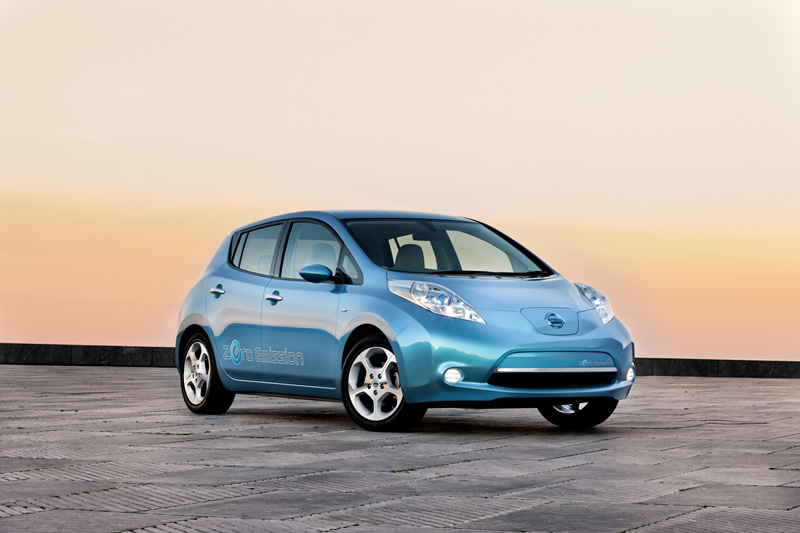Foto Delantera Nissan Leaf Dos Volumenes 2010