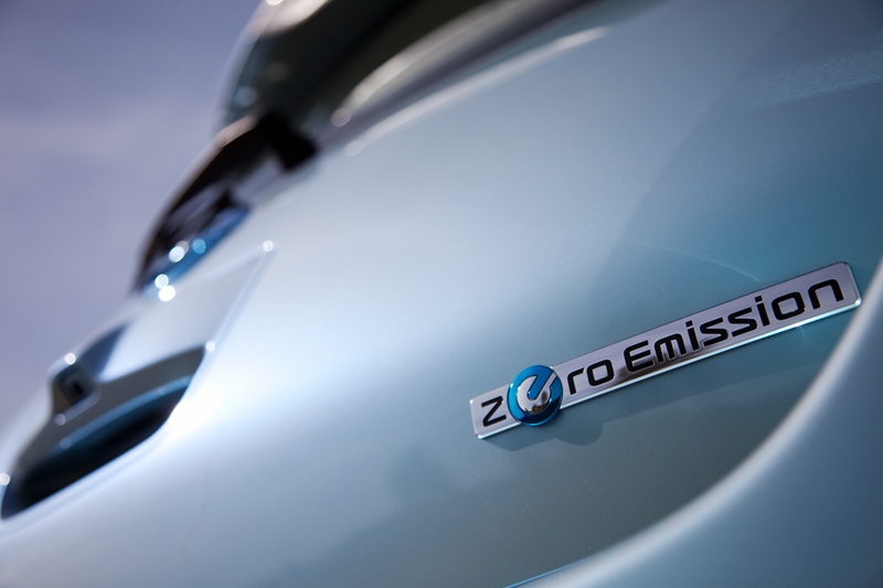 Foto Detalles Nissan Leaf Dos Volumenes 2010