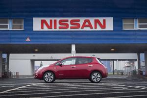 Foto Exteriores (1) Nissan Leaf Dos Volumenes 2013