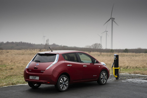 Foto Exteriores (11) Nissan Leaf Dos Volumenes 2013