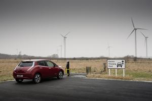 Foto Exteriores (12) Nissan Leaf Dos Volumenes 2013