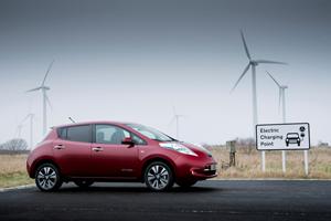 Foto Exteriores (13) Nissan Leaf Dos Volumenes 2013