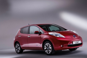 Foto Exteriores (2) Nissan Leaf Dos Volumenes 2013