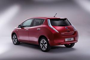Foto Exteriores (3) Nissan Leaf Dos Volumenes 2013