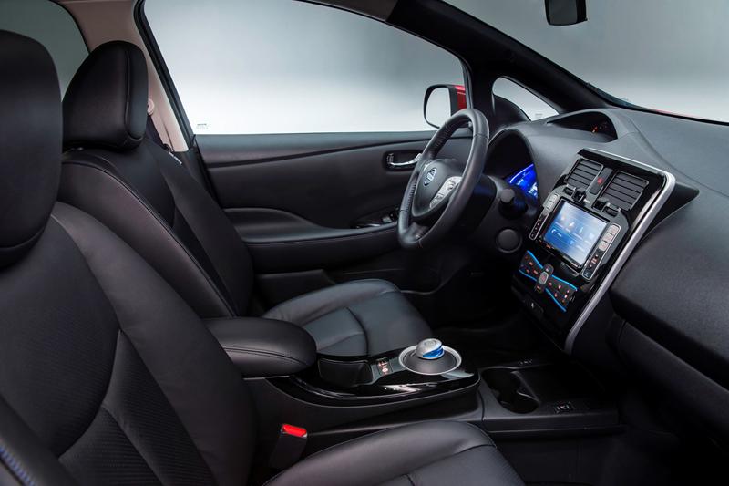 Foto Interiores Nissan Leaf Dos Volumenes 2013