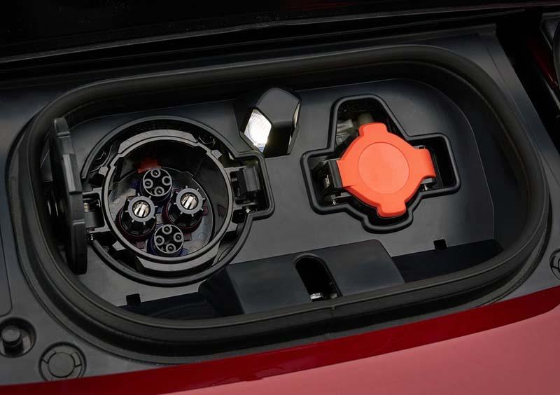 Foto Detalles Nissan Leaf Dos Volumenes 2018