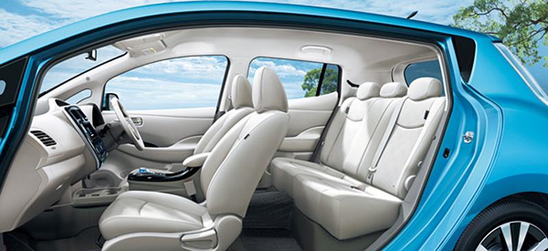 Foto Interiores Nissan Leaf Japon Dos Volumenes 2012