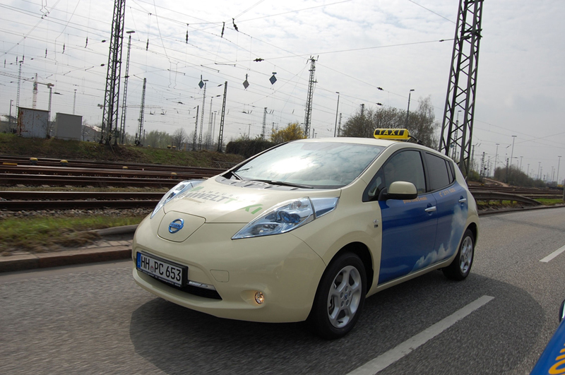 Foto Exteriores (2) Nissan Leaf-taxi Dos Volumenes 2013