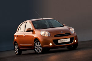 Foto Exteriores-(11) Nissan Micra Dos Volumenes 2010