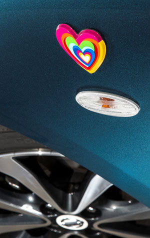 Foto Detalles (2) Nissan Micra-agatha-ruiz-de-la-prada Dos Volumenes 2013