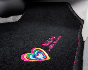 Foto Detalles (4) Nissan Micra-agatha-ruiz-de-la-prada Dos Volumenes 2013
