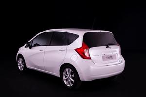 Foto Exteriores (8) Nissan Note Monovolumen 2013
