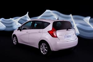 Foto Exteriores (9) Nissan Note Monovolumen 2013