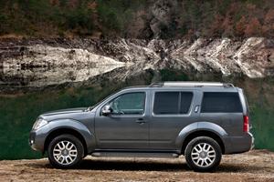 Foto Exteriores-(1) Nissan Pathfinder Suv Todocamino 2010
