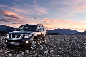 Foto Exteriores-(2) Nissan Pathfinder Suv Todocamino 2010