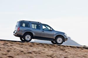 Foto Exteriores-(6) Nissan Pathfinder Suv Todocamino 2010
