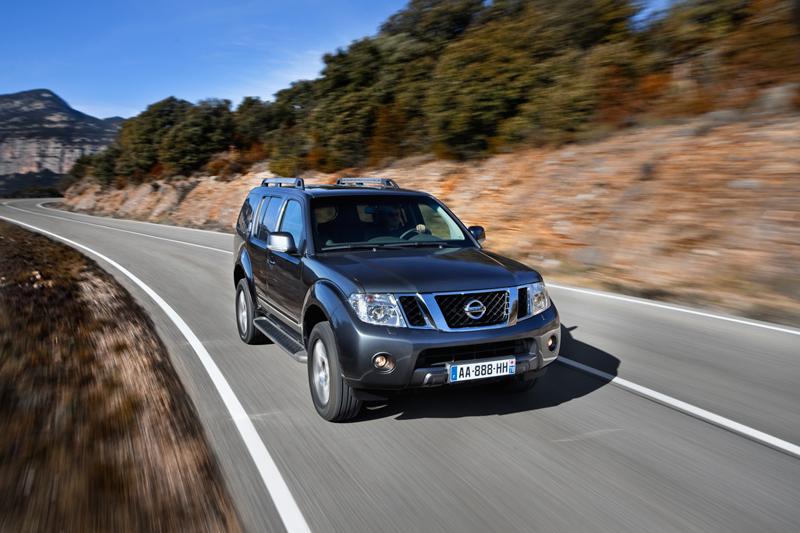 Foto Delantera Nissan Pathfinder Suv Todocamino 2010