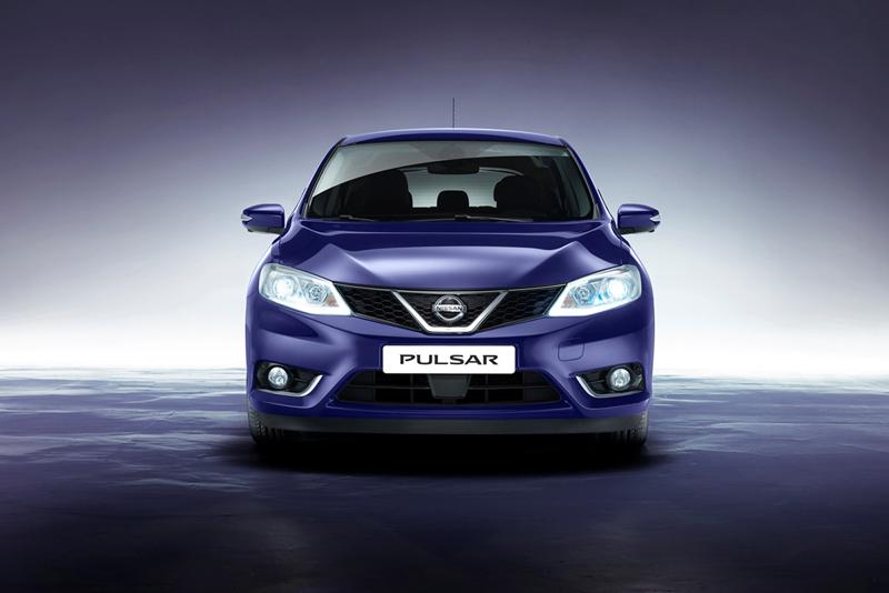 Foto Delantera Nissan Pulsar Dos Volumenes 2014
