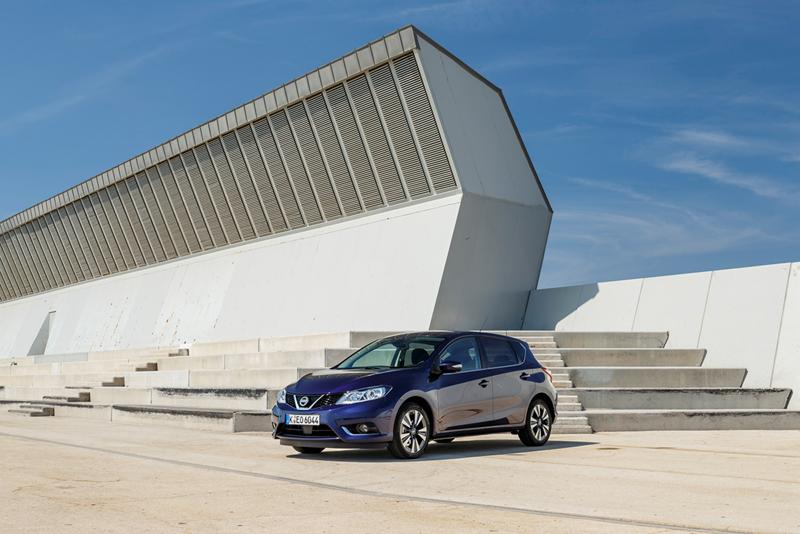 Foto Exteriores Nissan Pulsar Dos Volumenes 2014