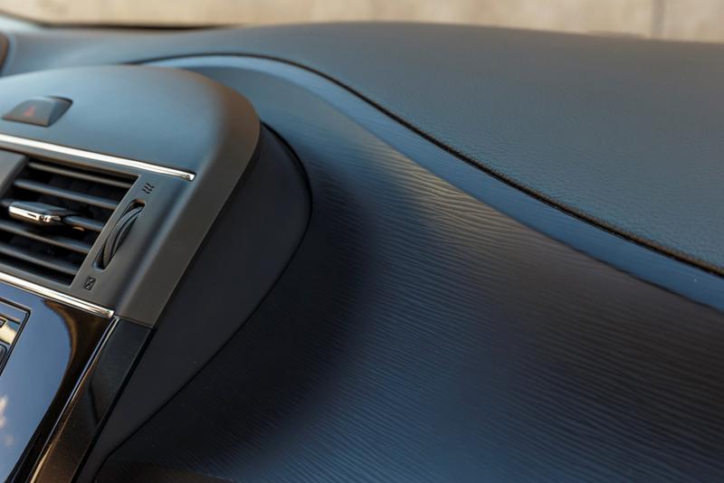 Foto Interiores Nissan Pulsar Dos Volumenes 2014