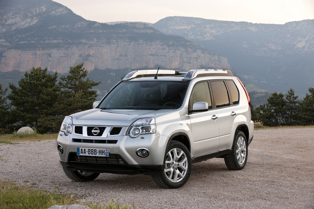 foto exteriores 10 nissan x trail suv todocamino 2010. Black Bedroom Furniture Sets. Home Design Ideas